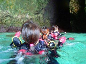 宮古島の青の洞窟