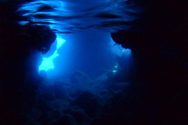 青の洞窟内の風景