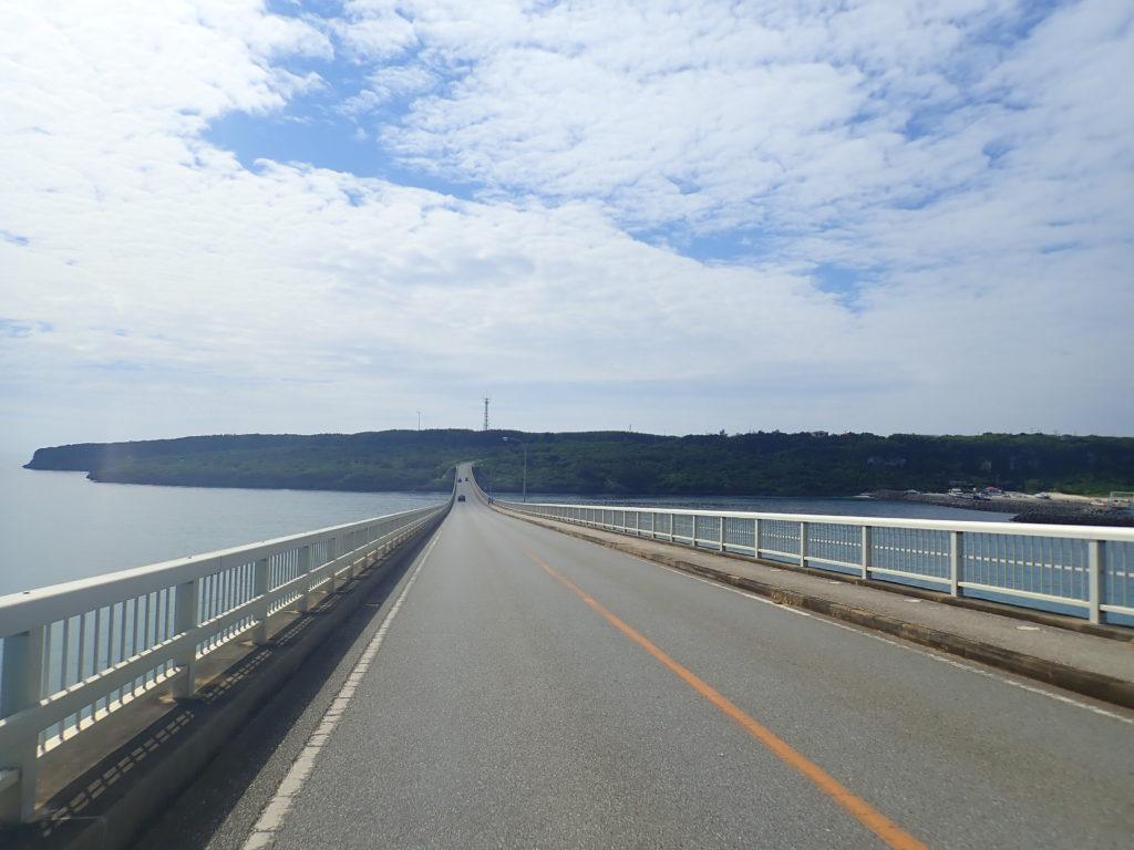 宮古島の観光スポットの来間大橋