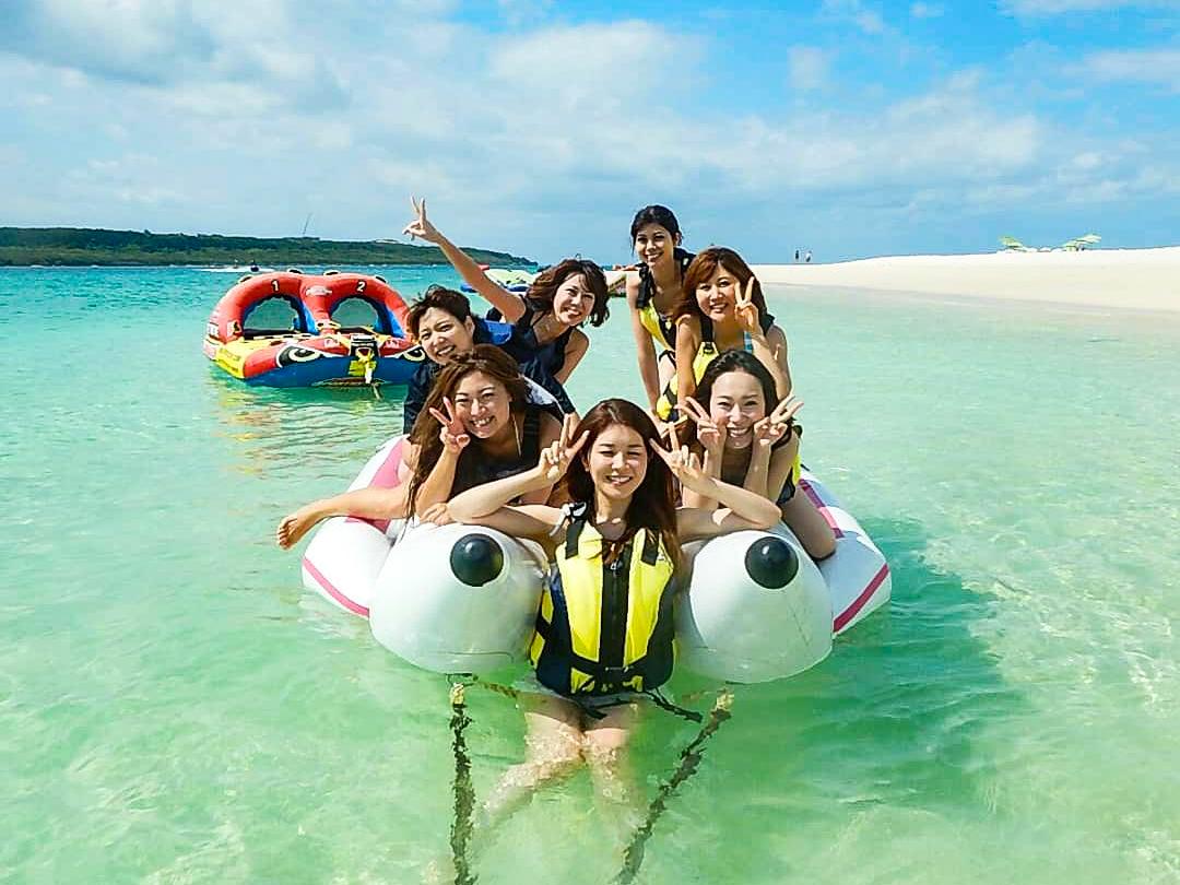 女子旅でバナナボート体験