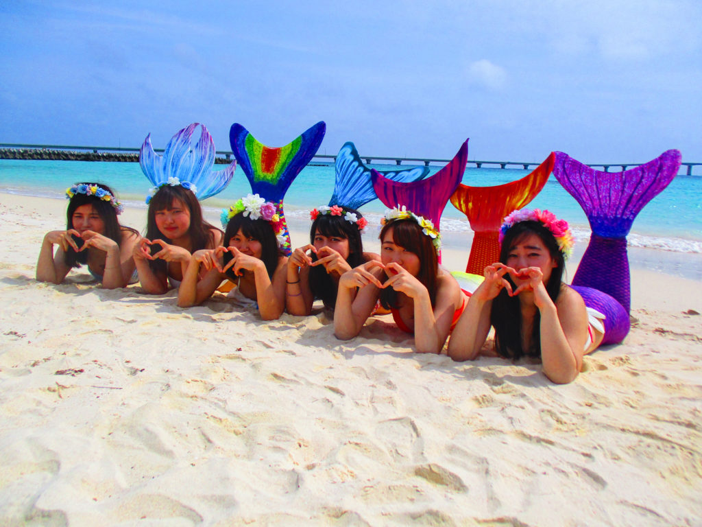 宮古島のフォトツアーのマーメイド体験