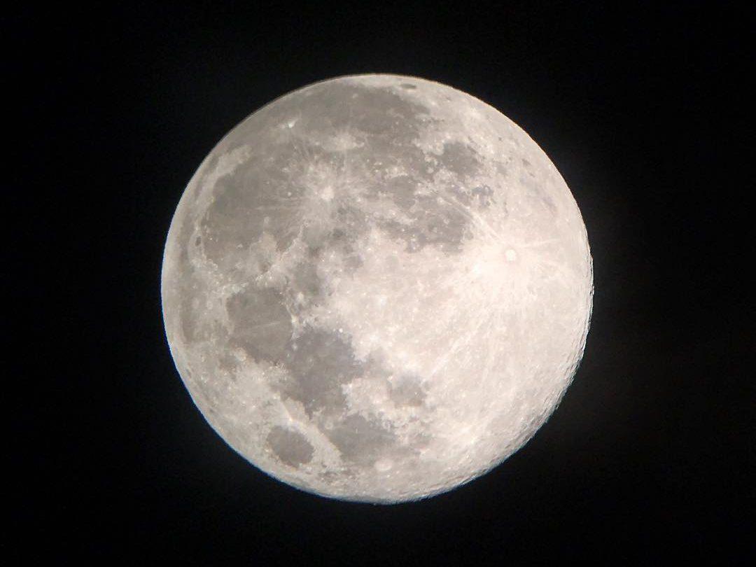お月見ツアーで見れる満月