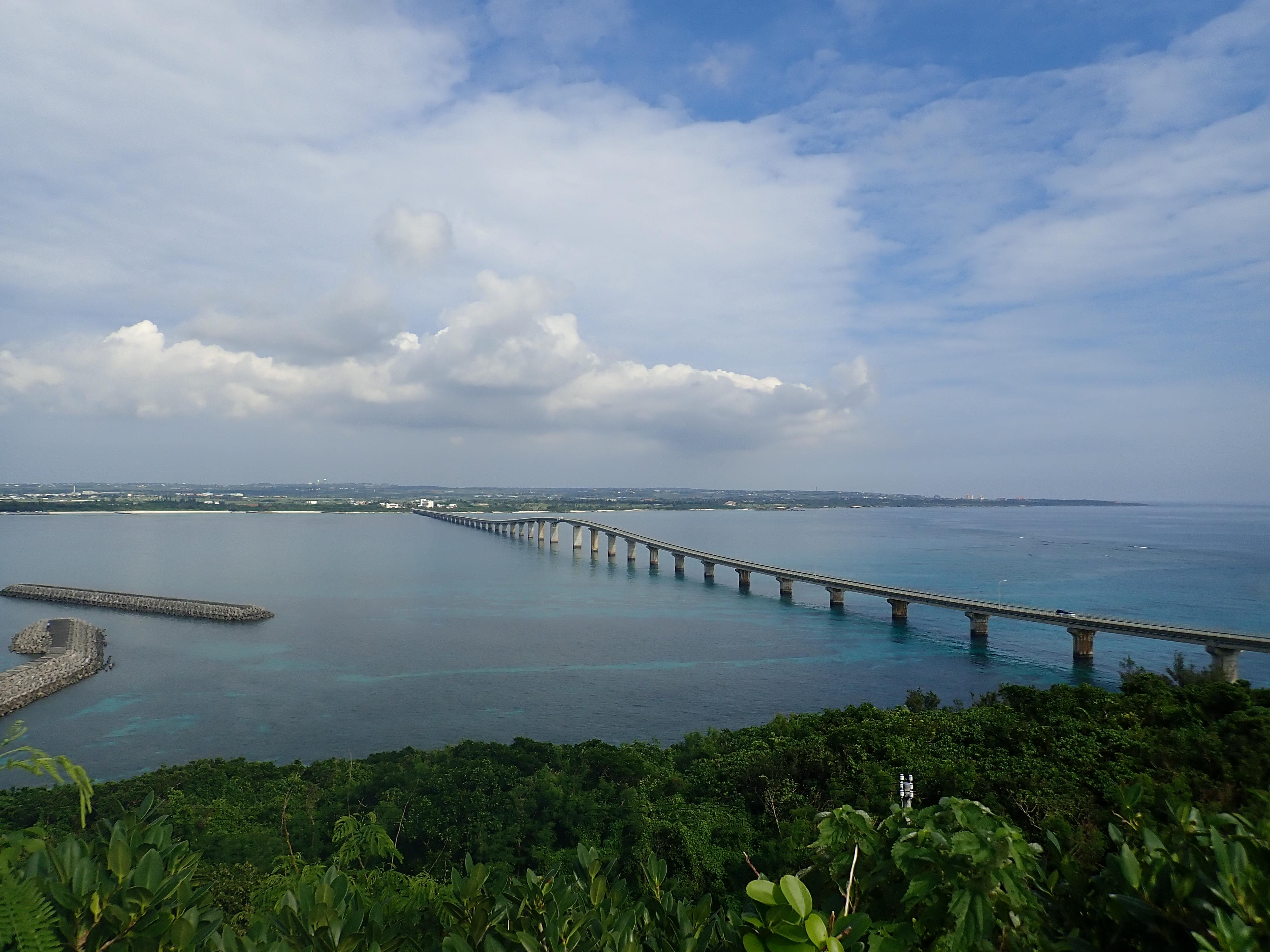 竜宮城展望台から前浜ビーチを眺める