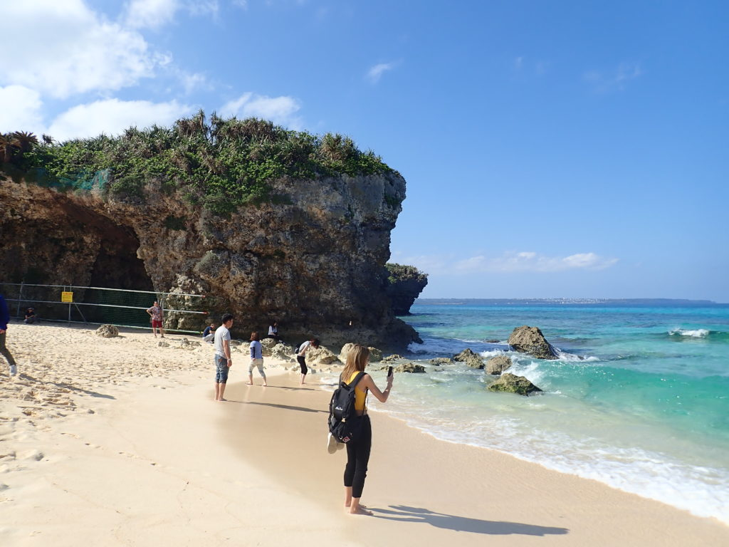 宮古島の観光スポットの砂山ビーチ