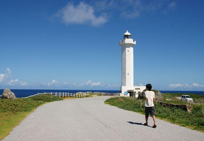 宮古島の観光スポットの東平安名崎(平安名崎灯台)