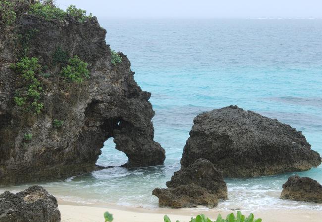池間島の観光スポットの-イキヅービーチ