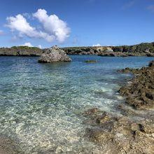 下地島の観光スポットの中の島海岸 (カヤッファ)