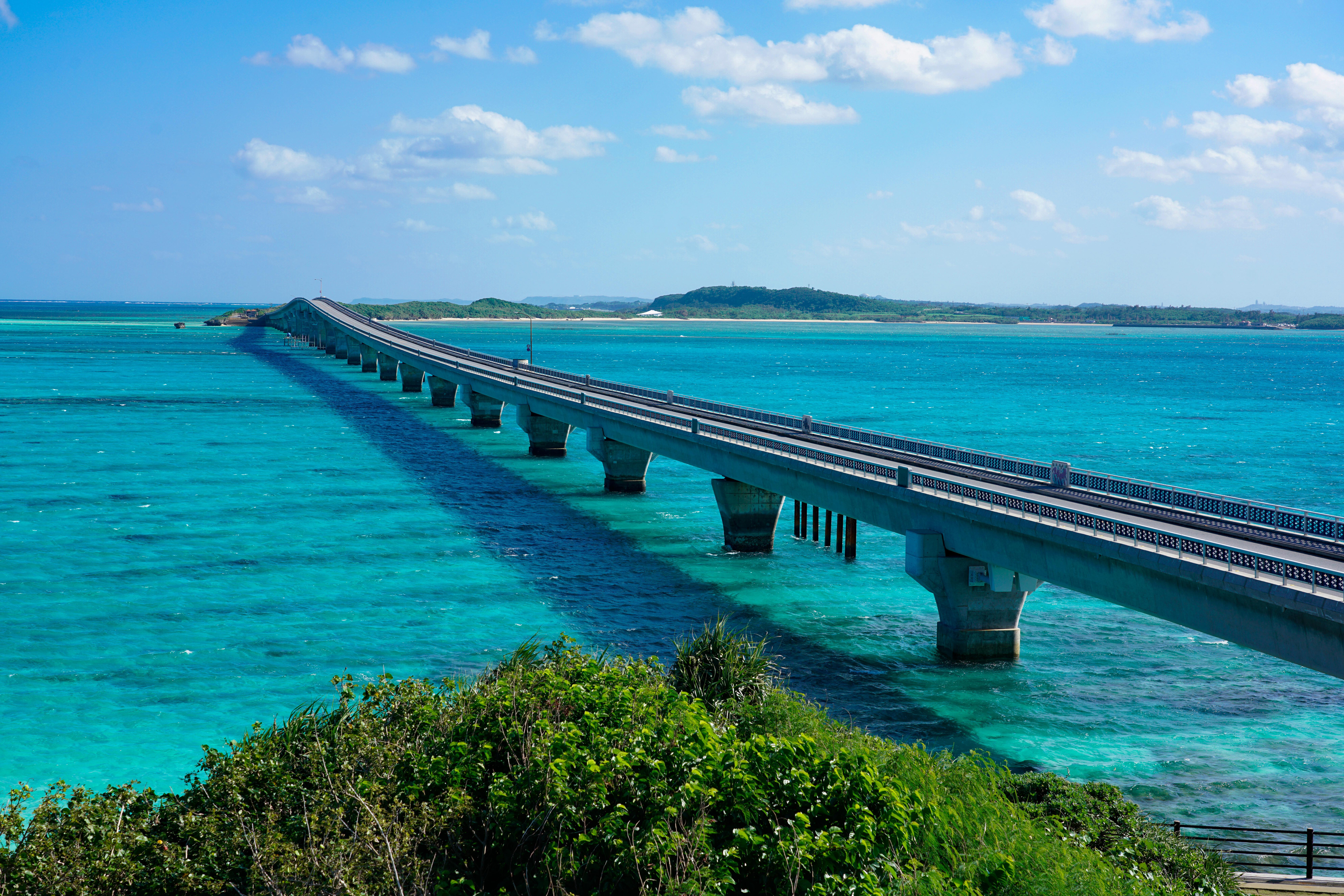 宮古島のドライブスポットの池間大橋