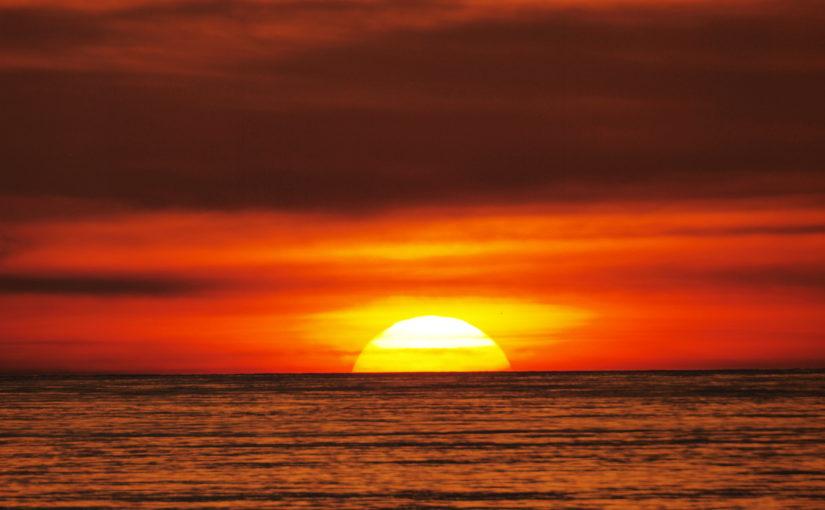 宮古島の夕日のイメージ