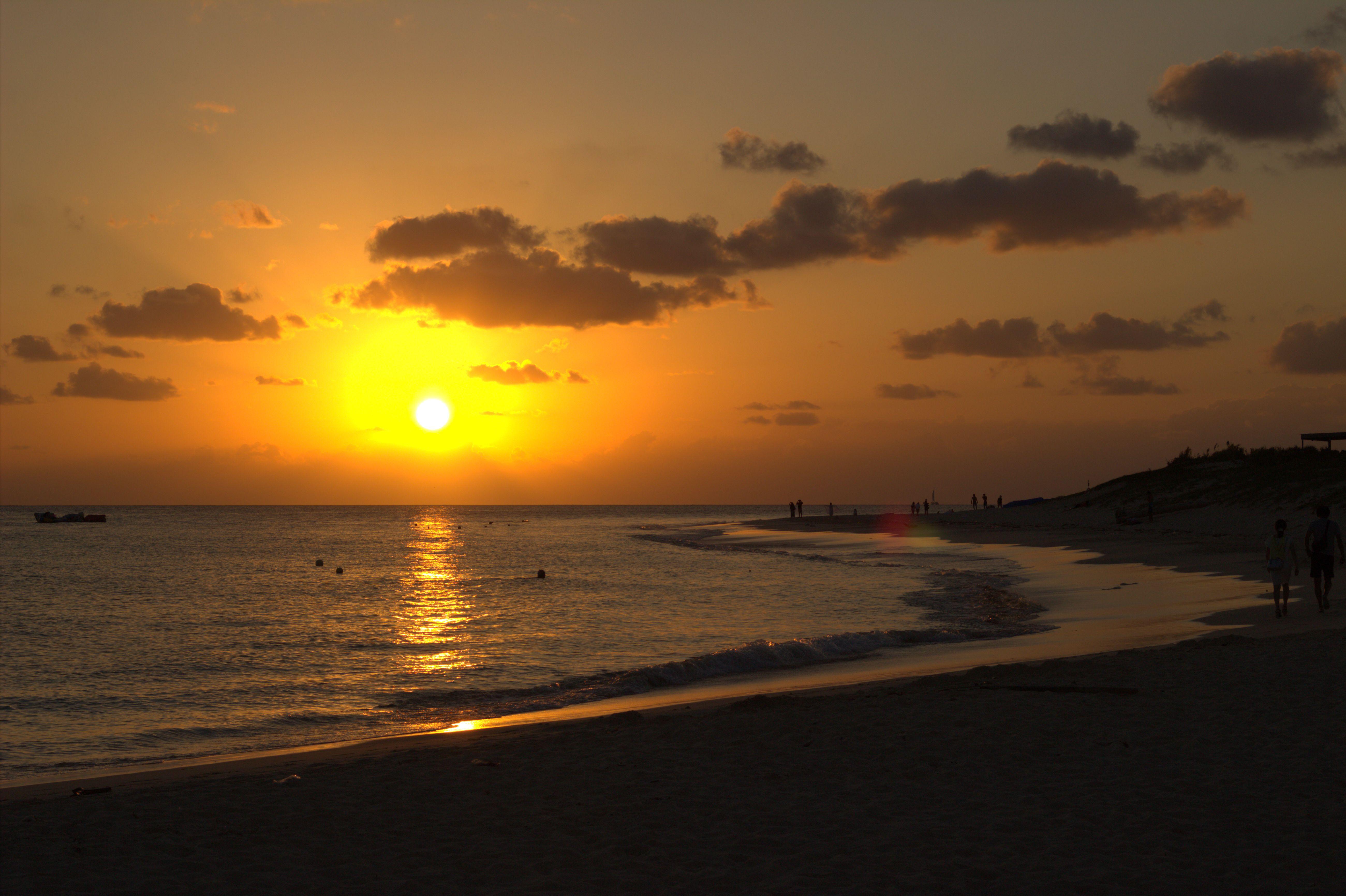 与那覇前浜ビーチの夕日