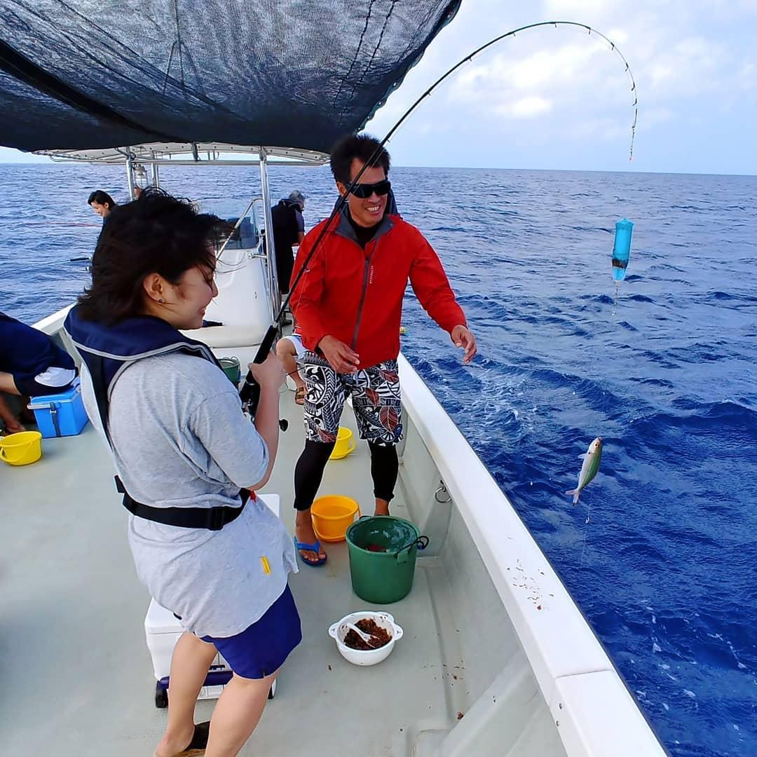釣りを楽しむ女性