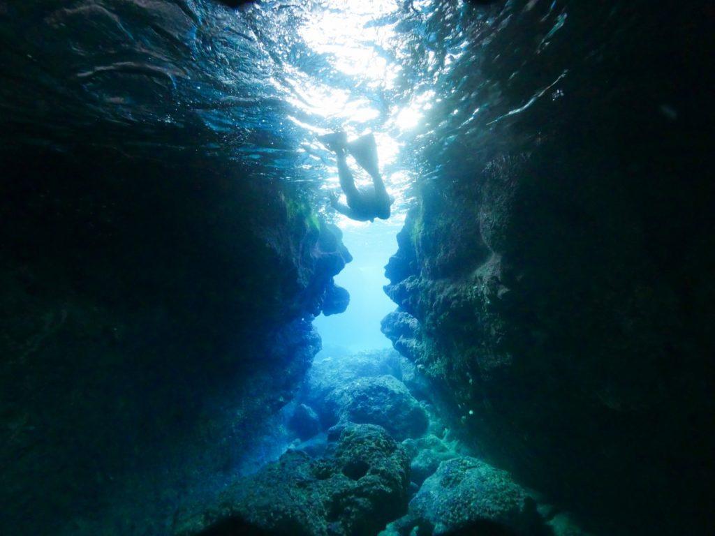 宮古島のアクティビティの青の洞窟