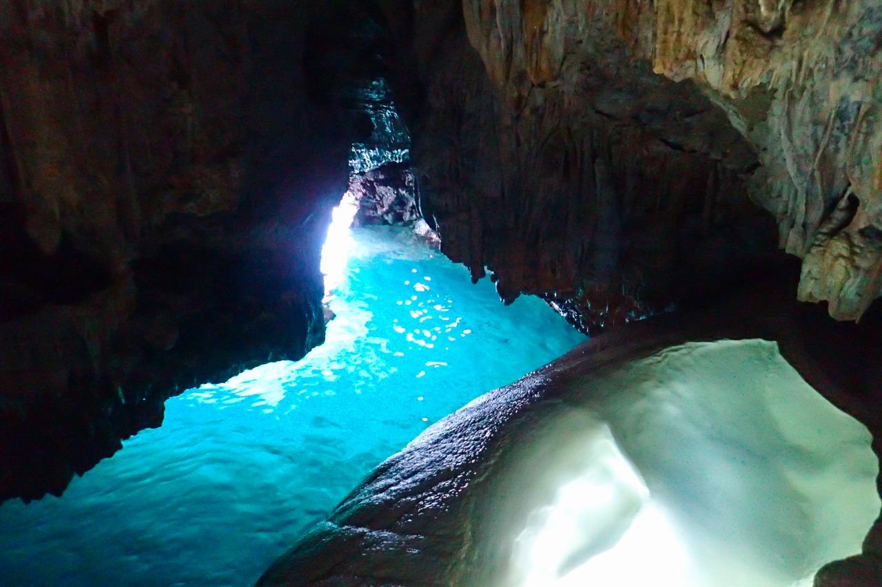 鍾乳洞探検