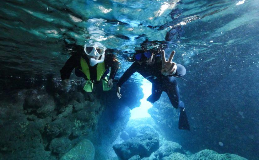 宮古島のシュノーケリングの青の洞窟