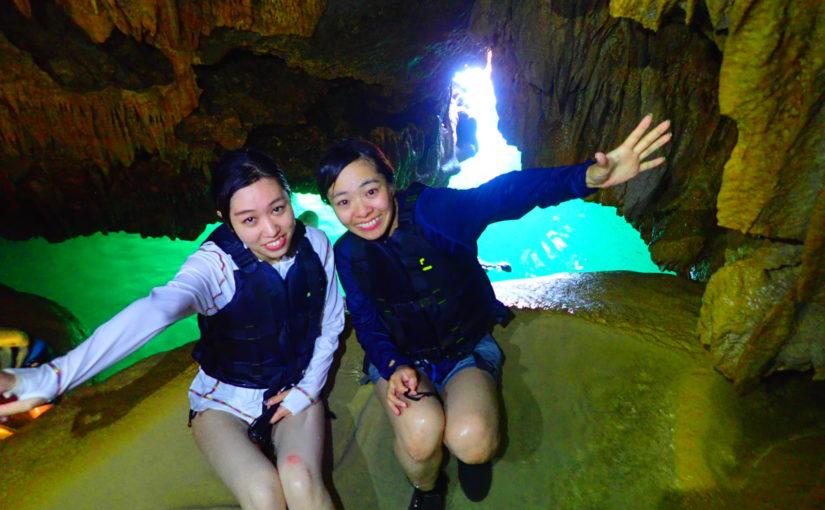 女子旅友達とパンプキン鍾乳洞で記念撮影