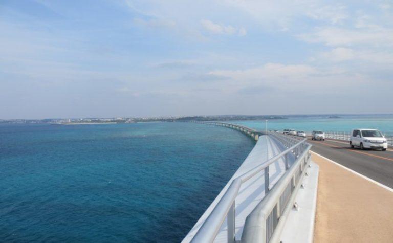 伊良部島の観光スポットの伊良部大橋