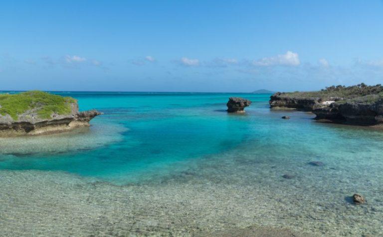 来間島の観光スポットの長崎浜